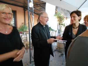 Monsignor Italo Castellani interviene alla Festa 15 anni AVO